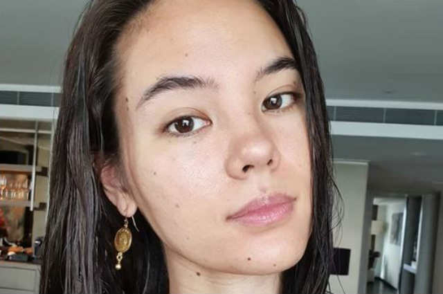 Catriona Gray posts no make up photo, opens up about insecurities